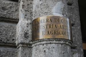 cmaera-commercio-300x200.jpg